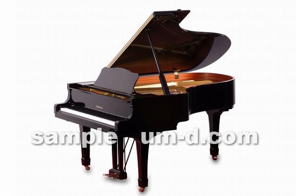 ピアノの広告写真